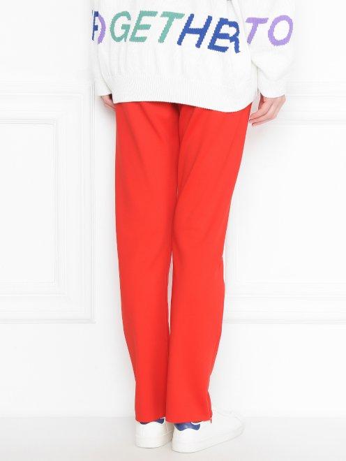 Узкие брюки на резинке с боковыми карманами - МодельВерхНиз1