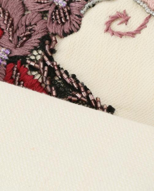 Джинсы  декорированные вышивкой и  бисером - Деталь2