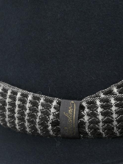 Шляпа из шерсти с контрастной вставкой  - Деталь