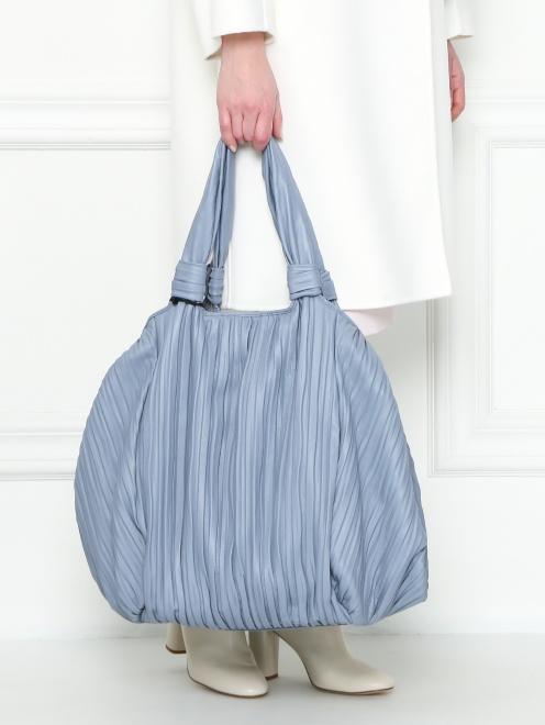 Объемная сумка из кожи на коротких ручках - МодельВерхНиз