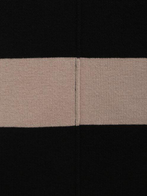 Платье-мини из трикотажа с контрастной вставкой  - Деталь