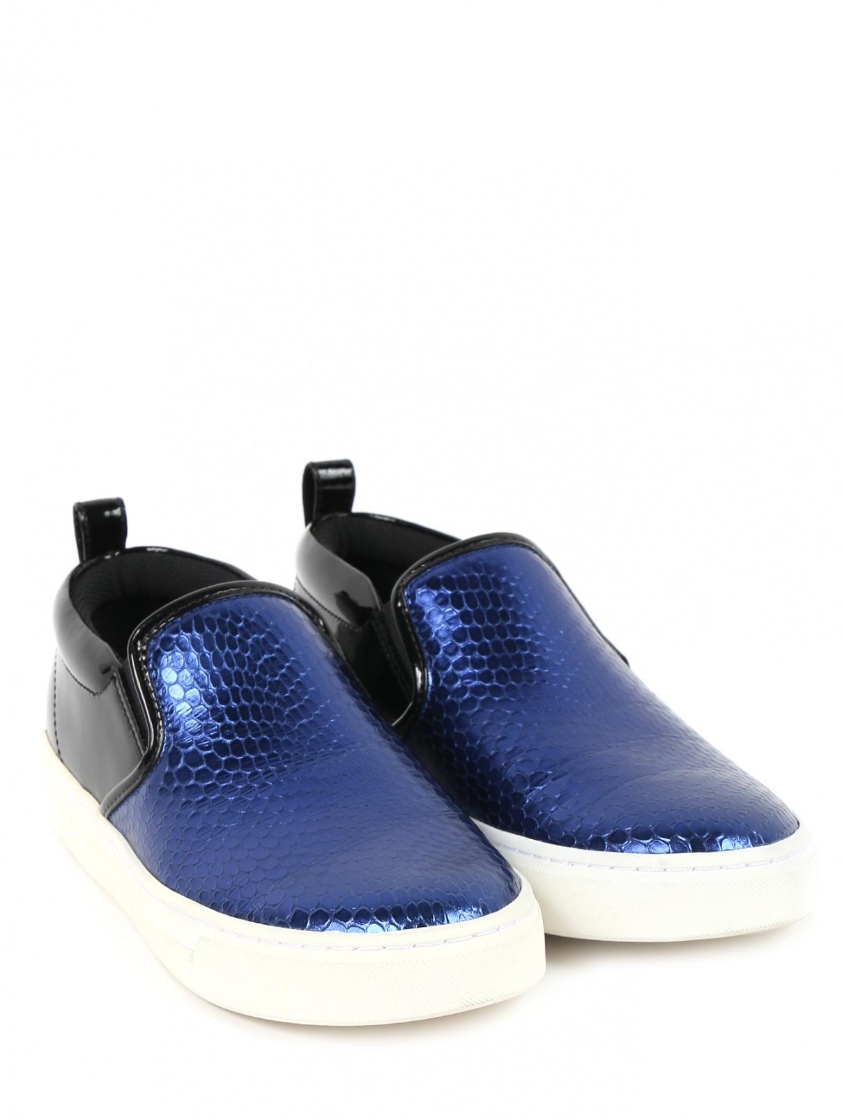 Слипоны из контрастной кожи Marc by Marc Jacobs  –  Общий вид  – Цвет:  Синий
