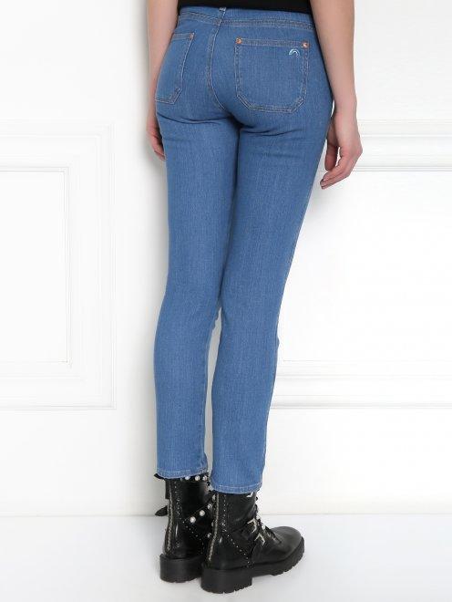 Укороченные узкие джинсы из плотного денима - МодельВерхНиз1