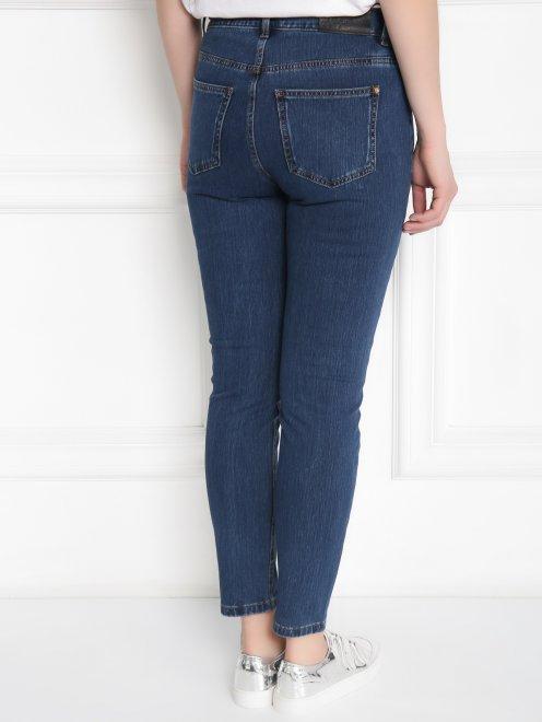 Зауженные джинсы из эластичного денима - МодельВерхНиз1