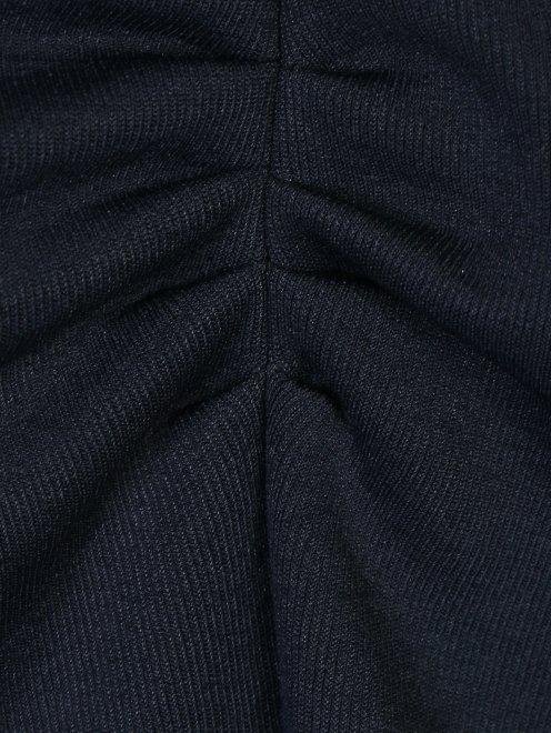 Платье трикотажное с драпировкой - Деталь1